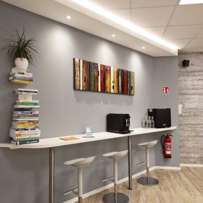 Bibliothek & Bar